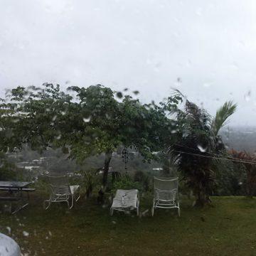 こんなに天気の悪いグアムは久々です