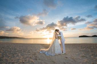 最近とても人気のビーチで挙式。やっぱり結婚式ってイイものですね!